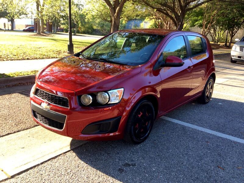 2013 Chevrolet Sonic LS Auto 5-Door