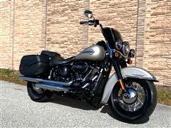 2018 Harley-Davidson FLHCS