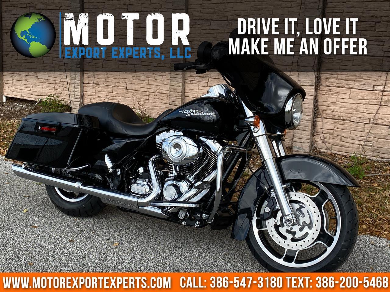 Harley-Davidson FLHXI  2013
