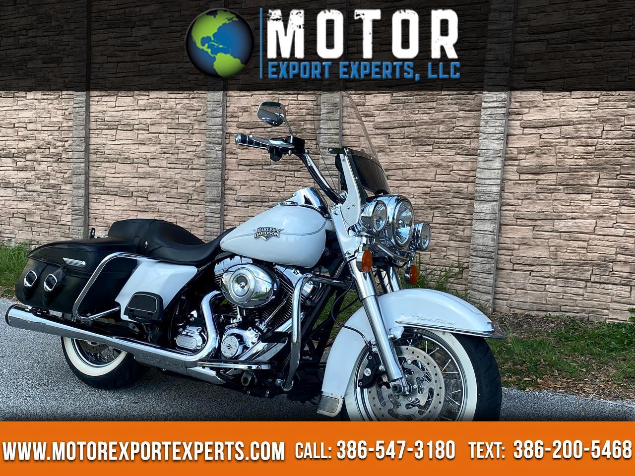 Harley-Davidson FLHRC  2012