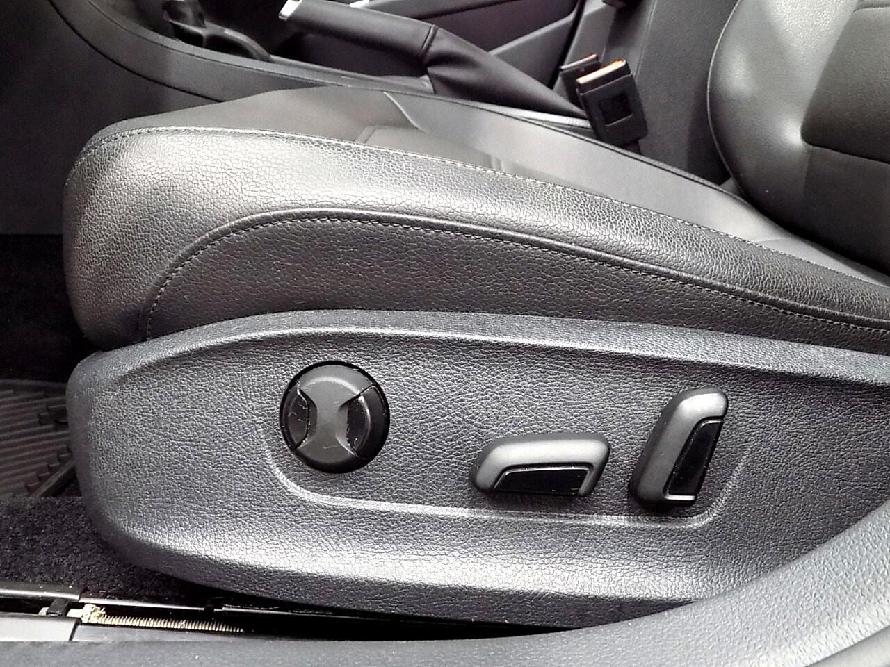 2017 Volkswagen Passat SE w/Technology
