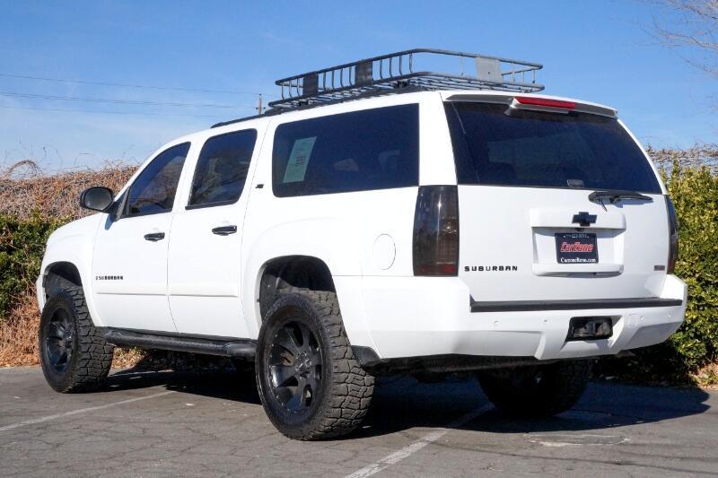 2008 Chevrolet Suburban 4WD 4dr 1500 LT w/3LT