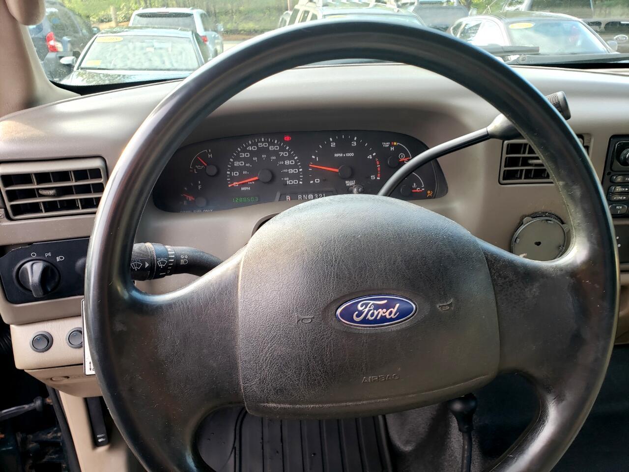 2003 Ford Super Duty F-550 DRW Reg Cab 165