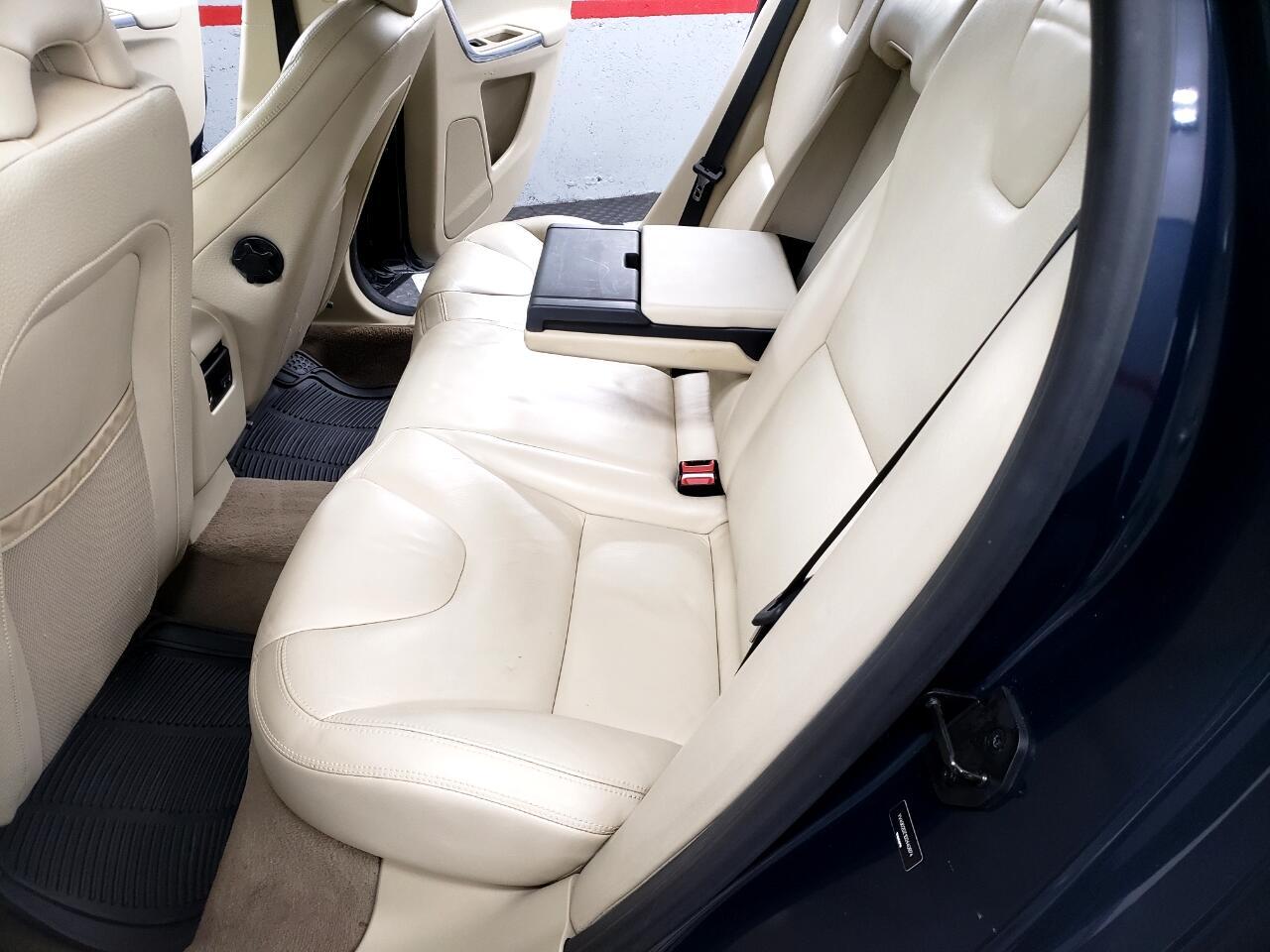 Volvo XC60 AWD 4dr T6 2013