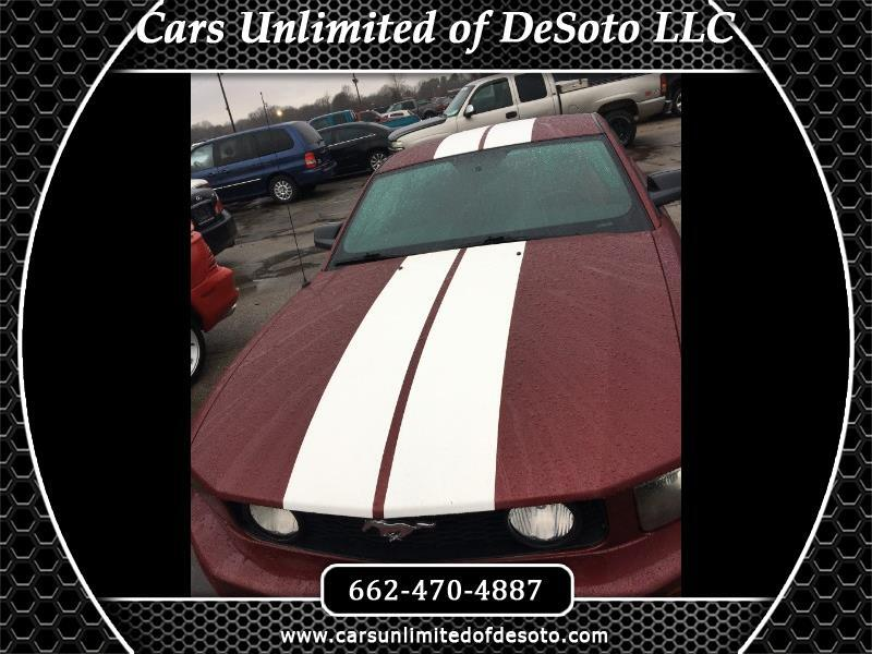 Ford Mustang GT Deluxe Coupe 2005