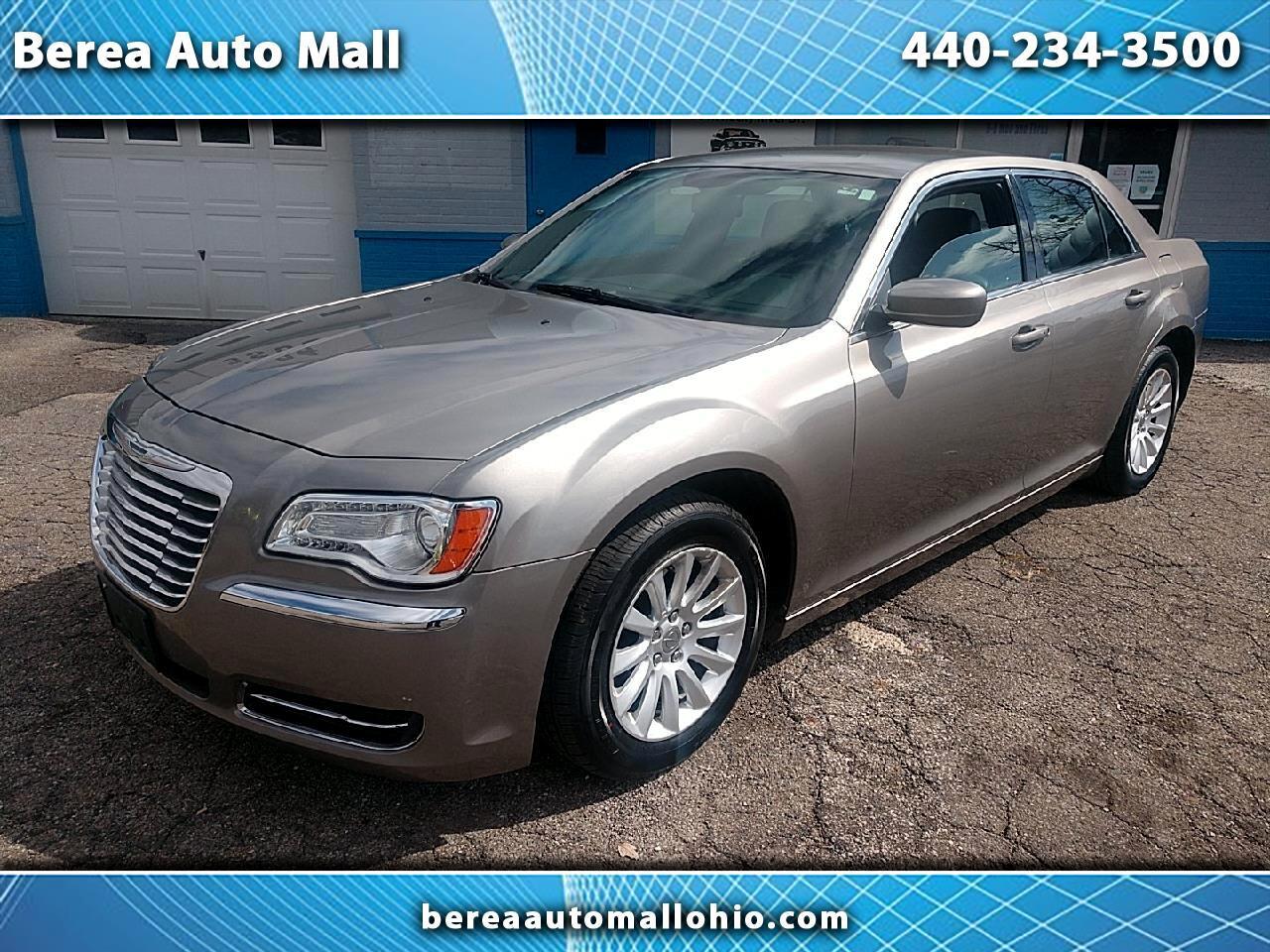 2014 Chrysler 300 4dr Sdn RWD