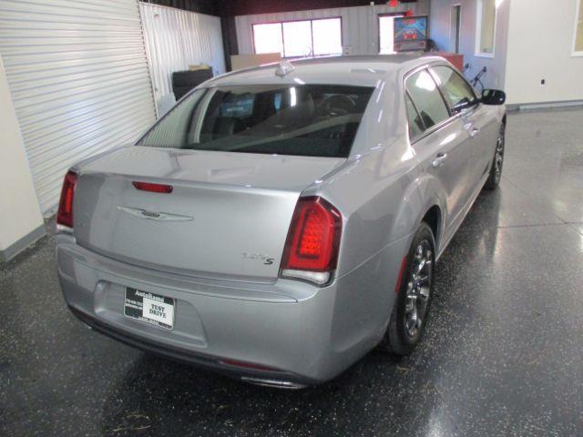 Chrysler 300 S V6 AWD 2015