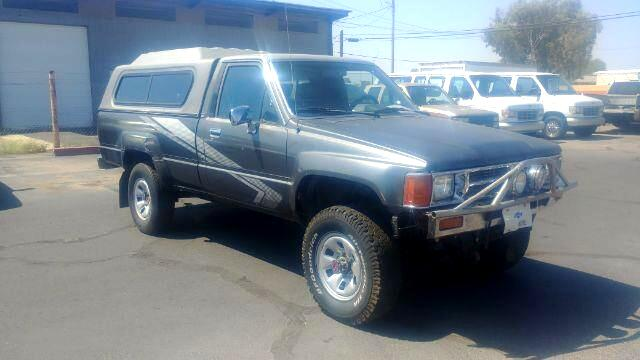 1988 Toyota Pickup DLX Reg. Cab Long Bed 4WD