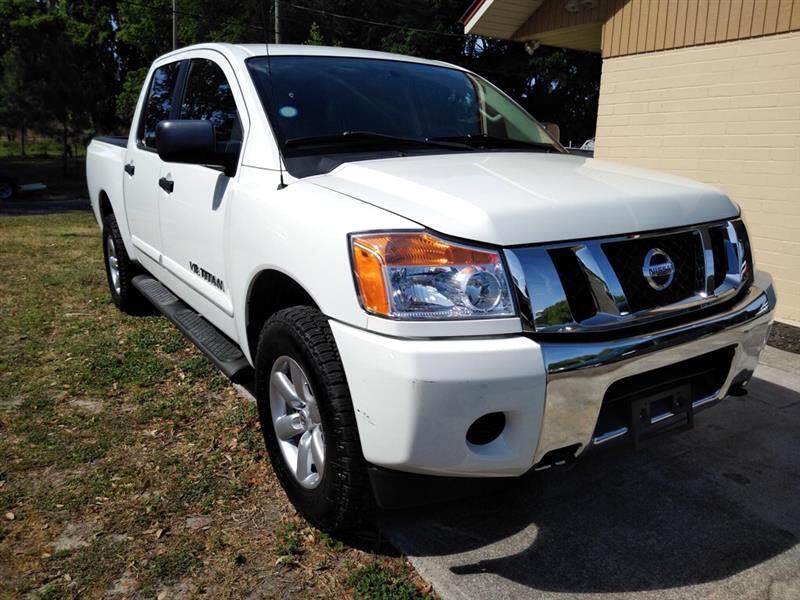 2014 Nissan Titan 4x4 Crew Cab SV