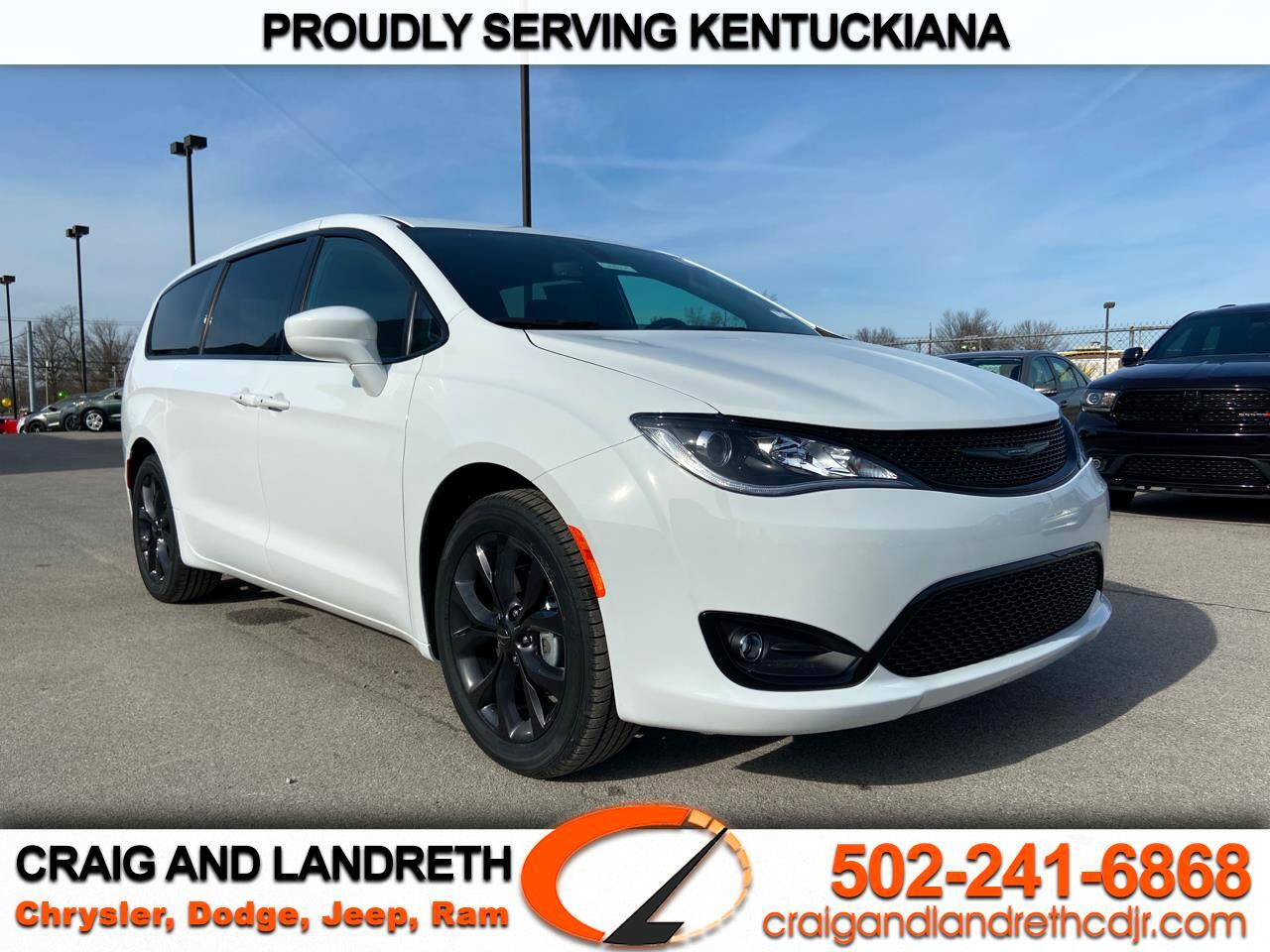 Chrysler Pacifica Touring FWD 2020