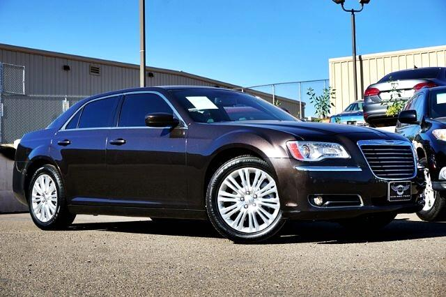 Chrysler 300 4dr Sdn AWD 2013