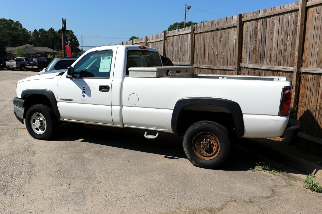 """Chevrolet Silverado 2500HD Reg Cab 133"""" WB 2WD Work Truck 2006"""