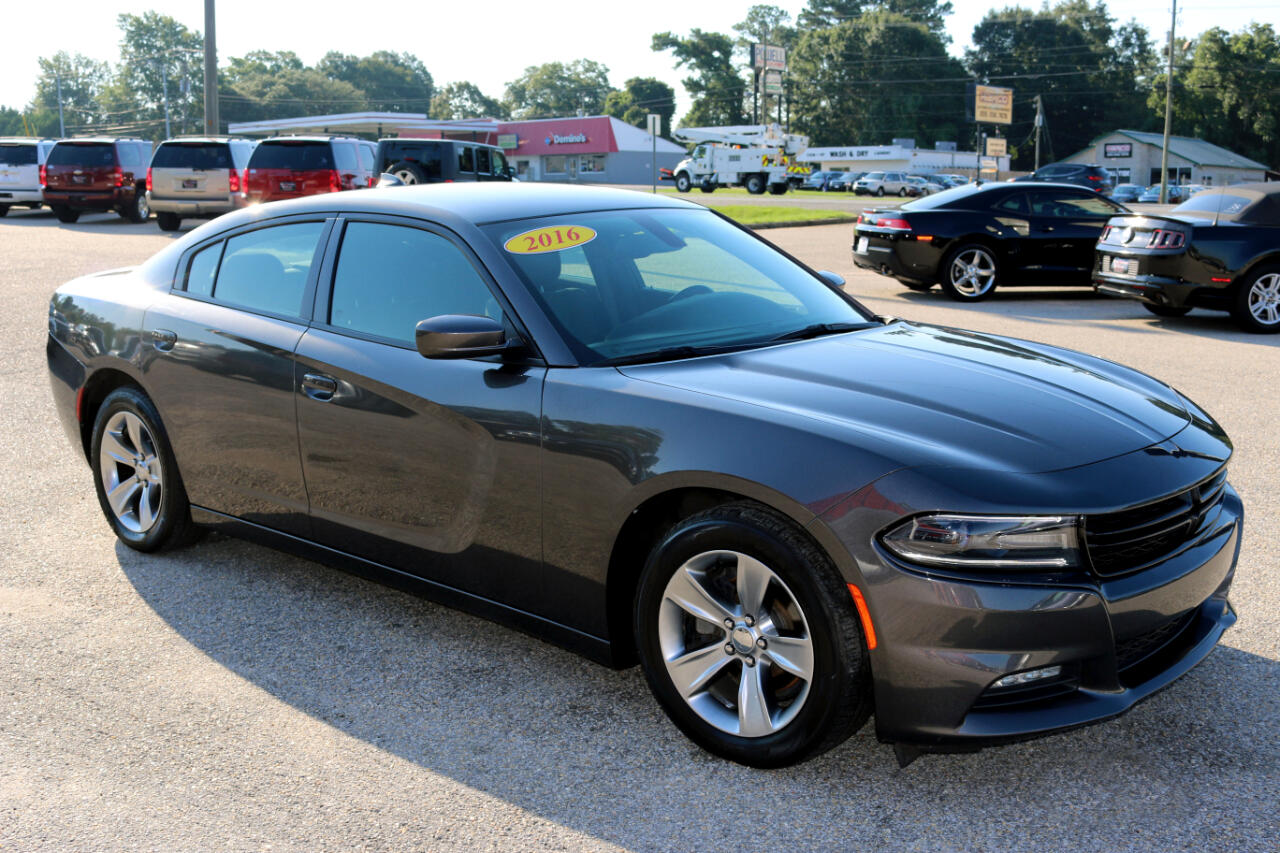 Dodge Charger 4dr Sdn SXT RWD 2016