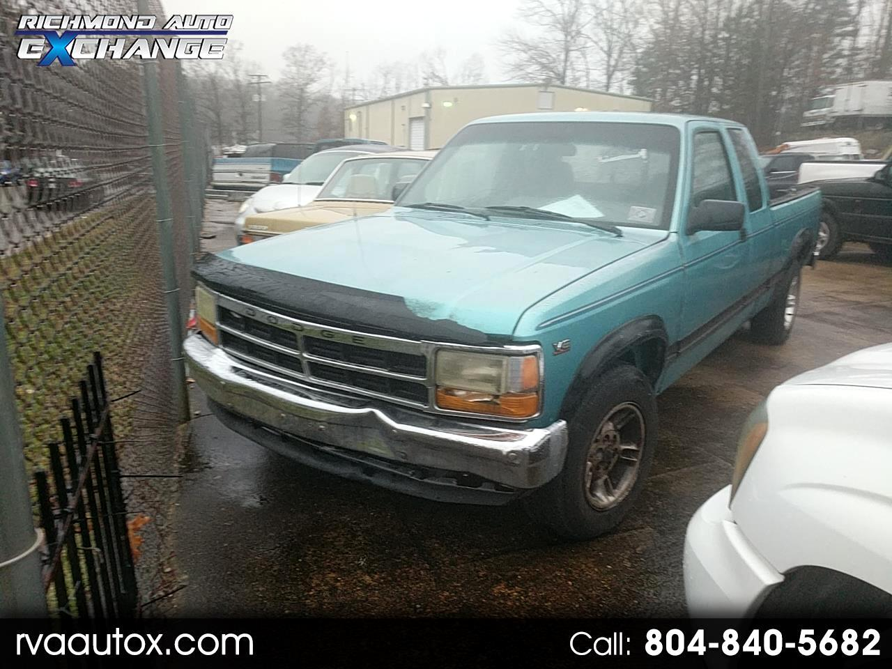 1995 Dodge Dakota Club Cab 6.5-ft. Bed 2WD