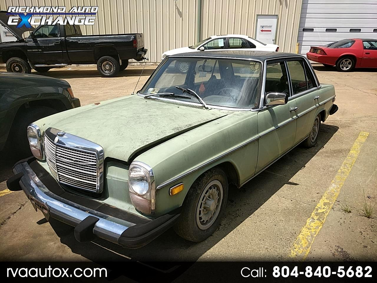 1974 Mercedes-Benz 240D Base