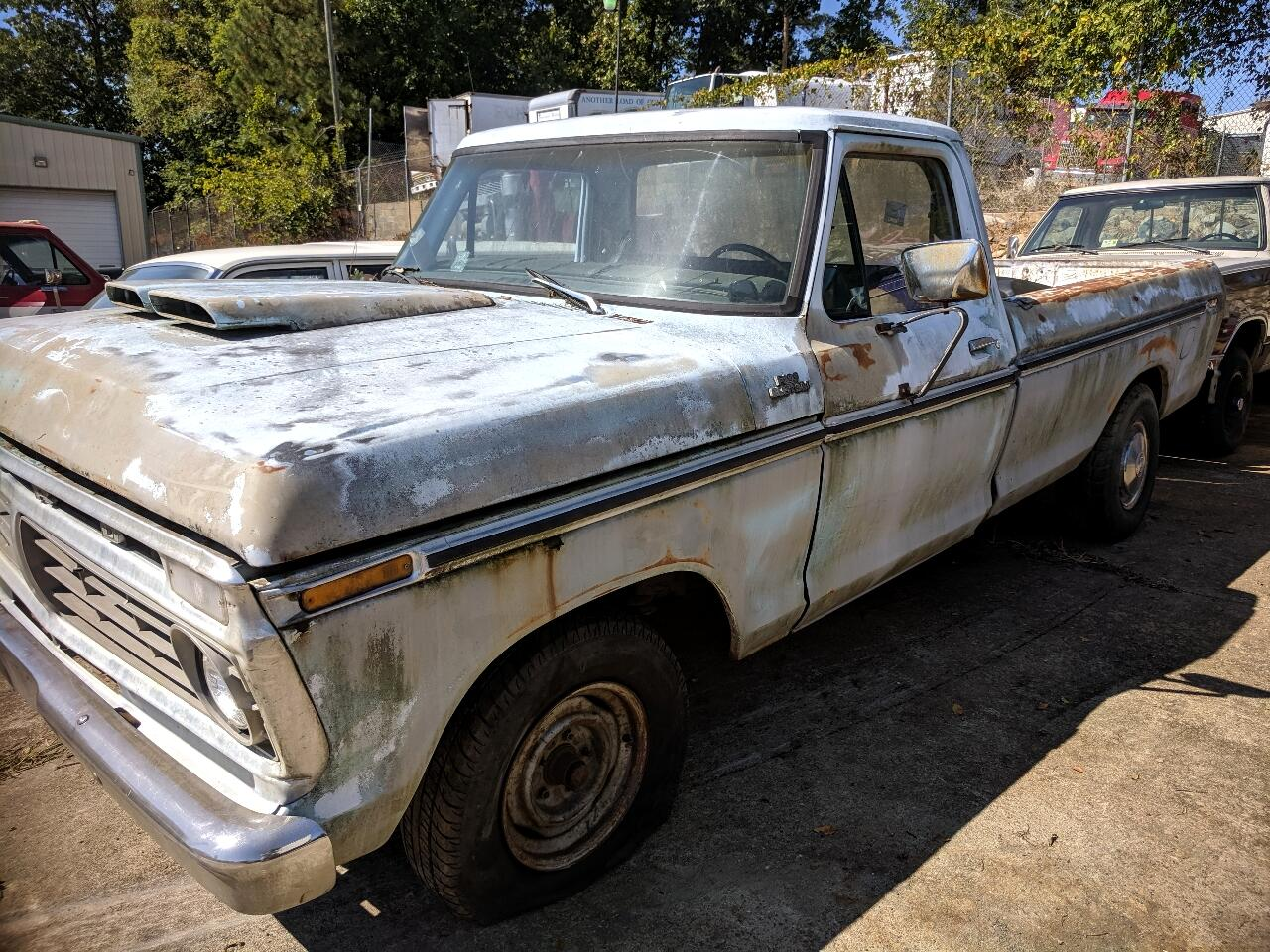 1977 Ford F-100 Regular Cab 2WD