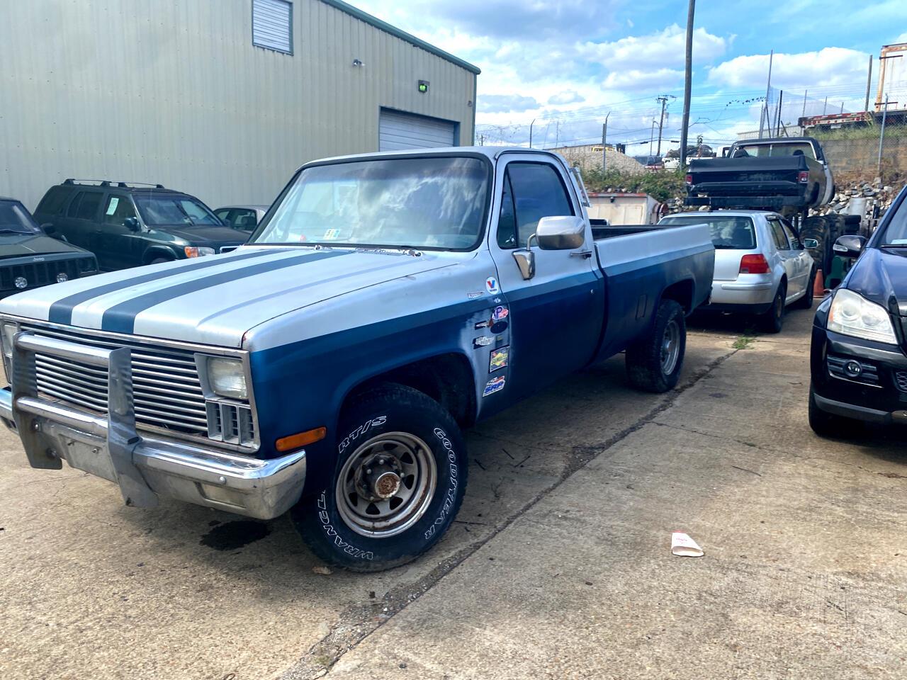 "Chevrolet 1/2 Ton Pickups Fleetside 117.5"" 1982"