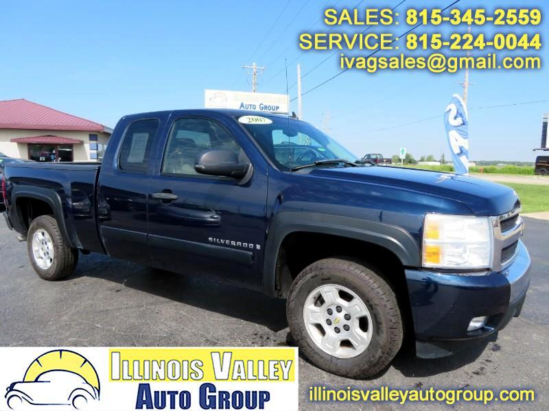 2007 Chevrolet Silverado 1500 LT1 Ext. Cab Short Bed 2WD