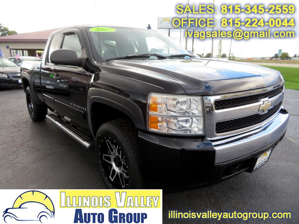 2007 Chevrolet Silverado 1500 1LT Ext. Cab Short Bed 4WD