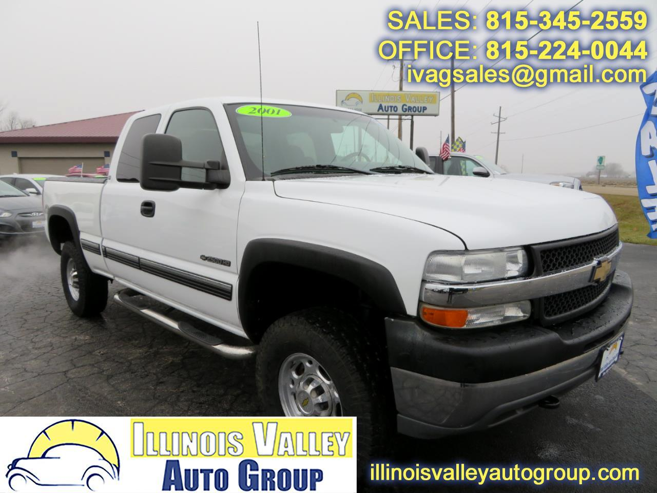 2001 Chevrolet Silverado 2500HD Extended Cab Short Bed 4WD
