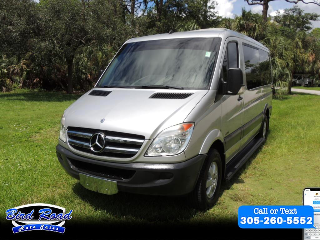 2013 Mercedes-Benz Sprinter 2500 Passenger Van High Roof 144-in. WB