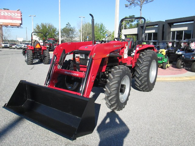 2018 Mahindra 5570 4WD Shuttle FRONT END LOADER & 3RD FUNCTION