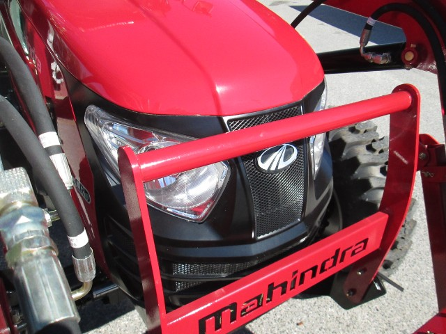 2018 Mahindra 2565 Shuttle Cab Loader and Ag Tires