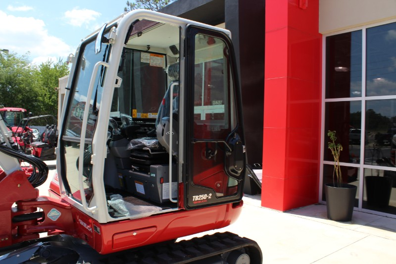 2019 Takeuchi TB 250-2CR CAB