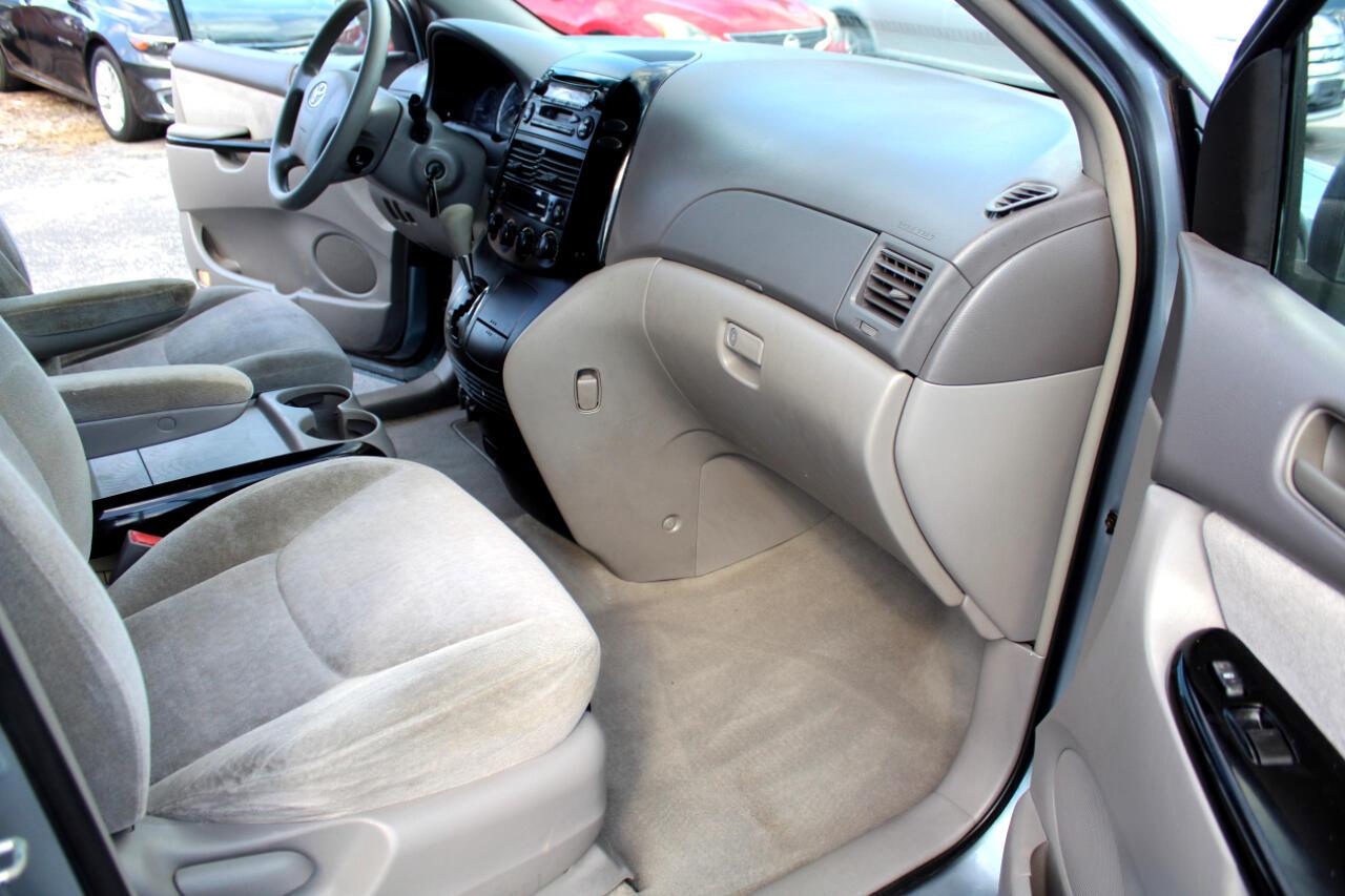 2004 Toyota Sienna 5dr CE FWD 7-Passenger (Natl)