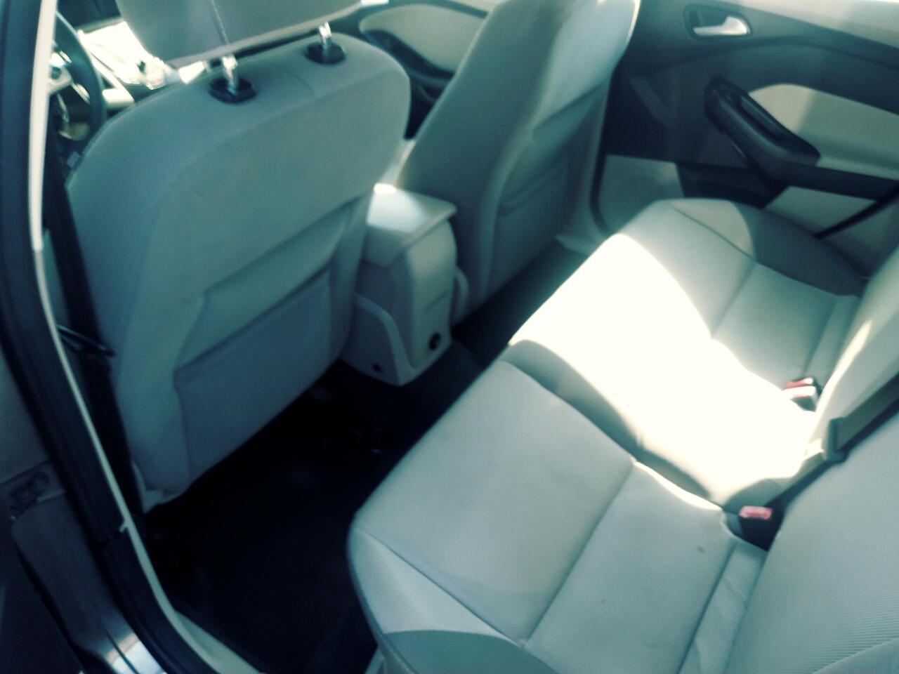 2013 Ford Focus SE Sedan