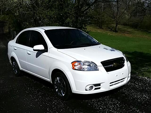 Chevrolet Aveo 1LT 4-Door 2011