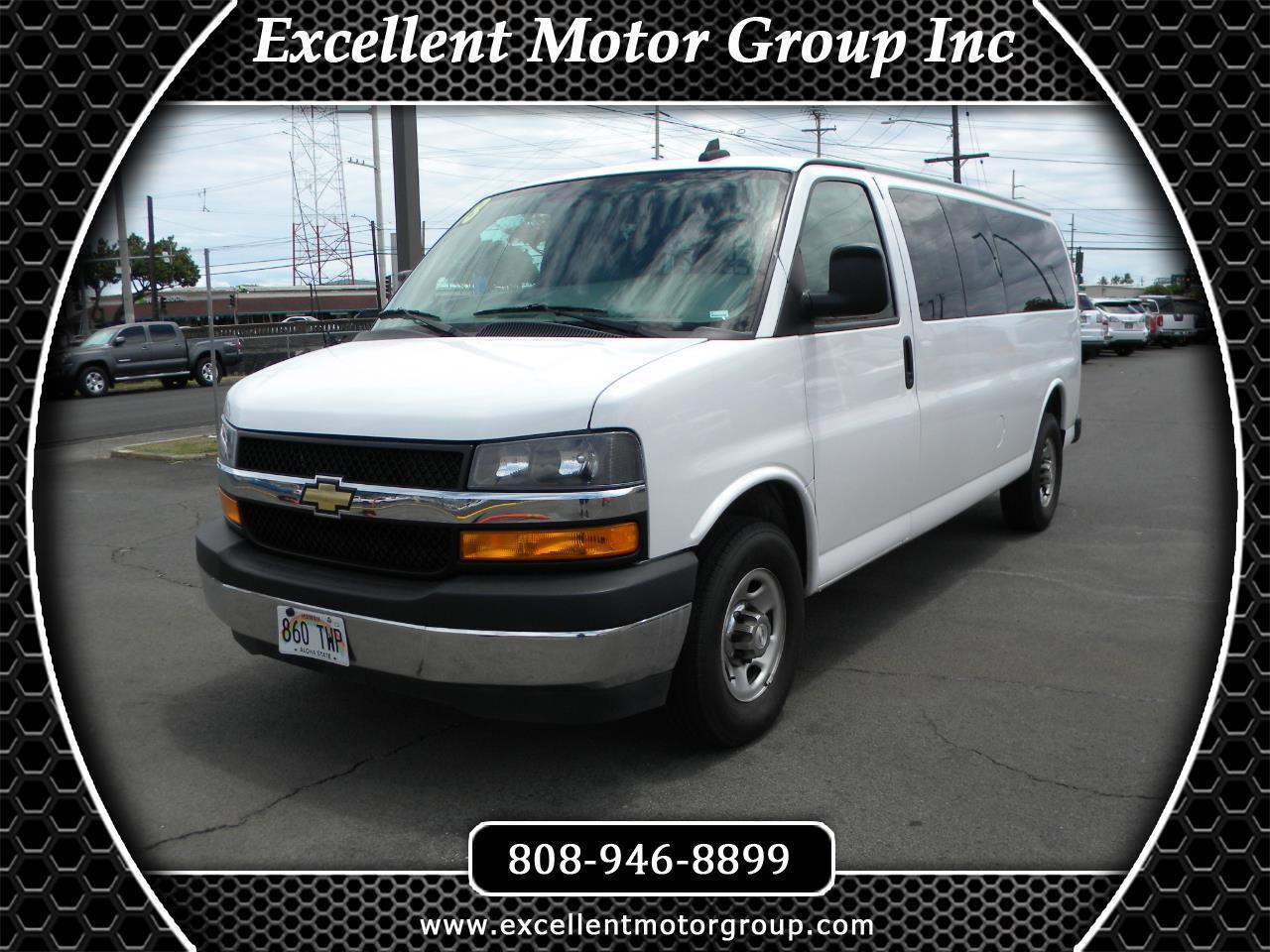 "Chevrolet Express Passenger RWD 3500 155"" LT 2018"