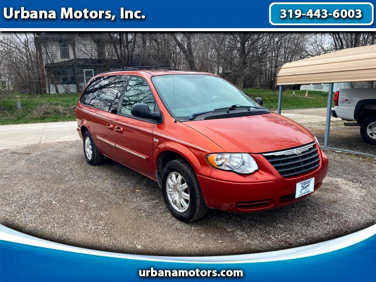 Chrysler Town and Country Touring 2006
