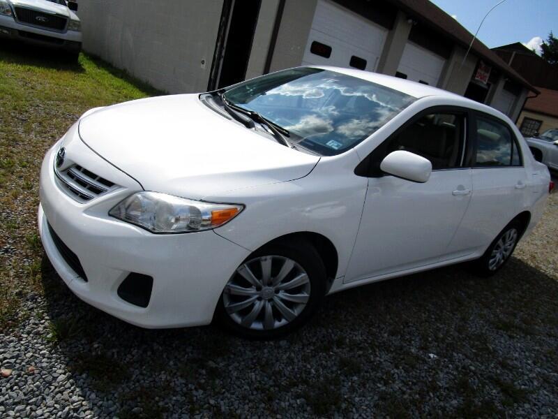 Toyota Corolla 4dr Sdn LE Auto 2013