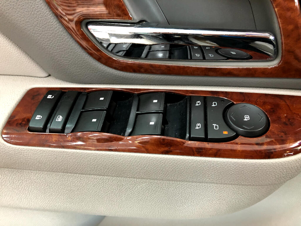 2011 GMC Yukon XL 2WD 4dr 1500 SLT