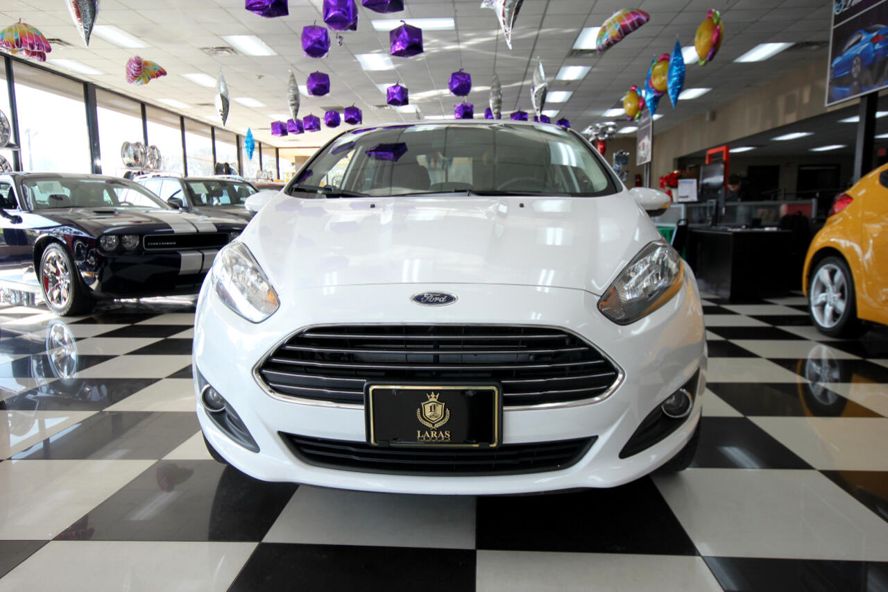 2015 Ford Fiesta 4dr Sdn SE