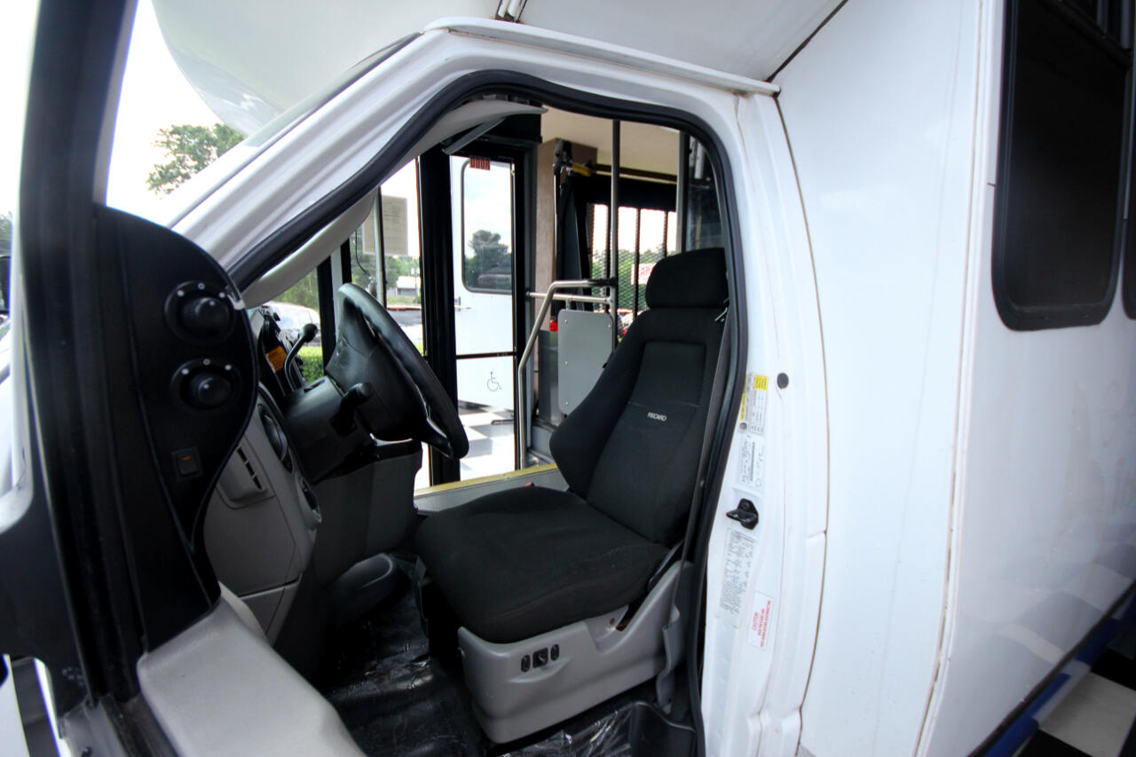2012 Ford Econoline Commercial Cutaway E-450 Super Duty 158