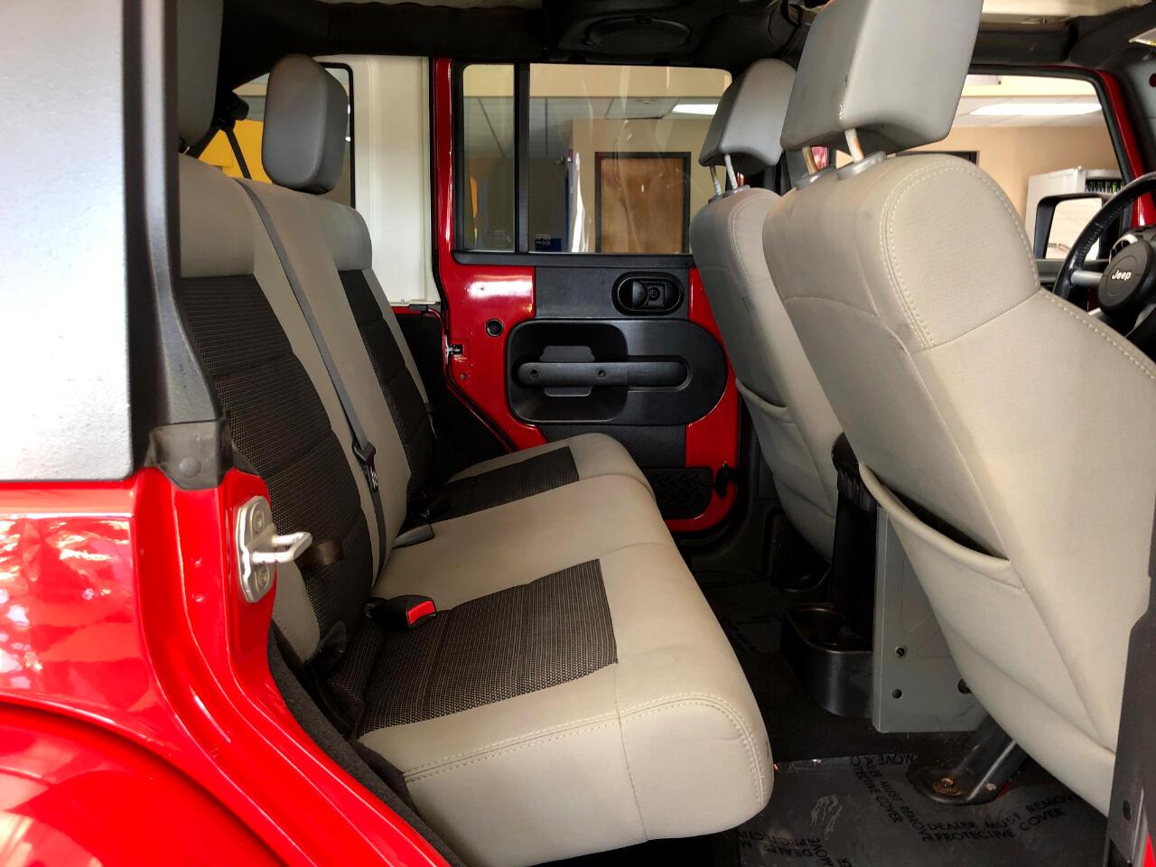 2010 Jeep Wrangler Unlimited 4WD 4dr Sahara