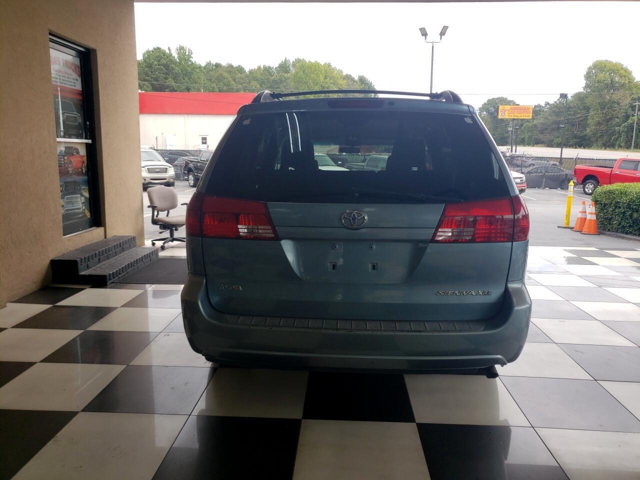 2005 Toyota Sienna XLE 7-Passenger