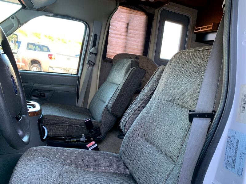 2004 Ford Econoline Commercial Cutaway E-350 Super Duty 138