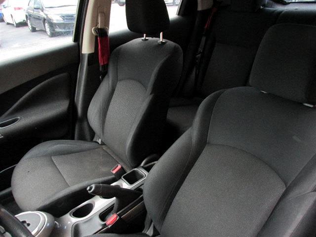 2013 Nissan Juke S FWD