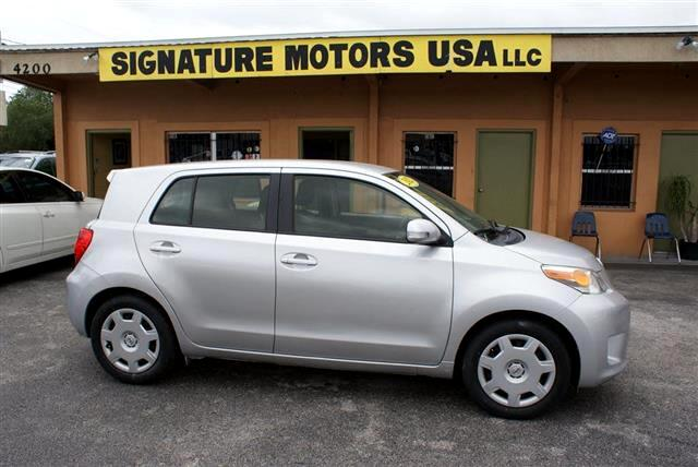 2012 Scion xD 5-Door Hatchback 5-Spd MT