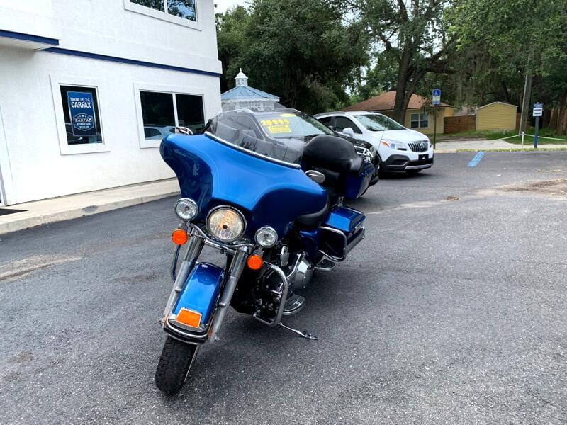 Harley-Davidson FLHTCI  2006