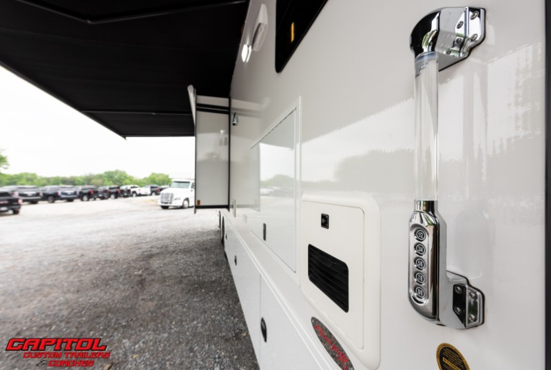 2020 Renegade Motorcoach 45' Motorcoach w/Bunks