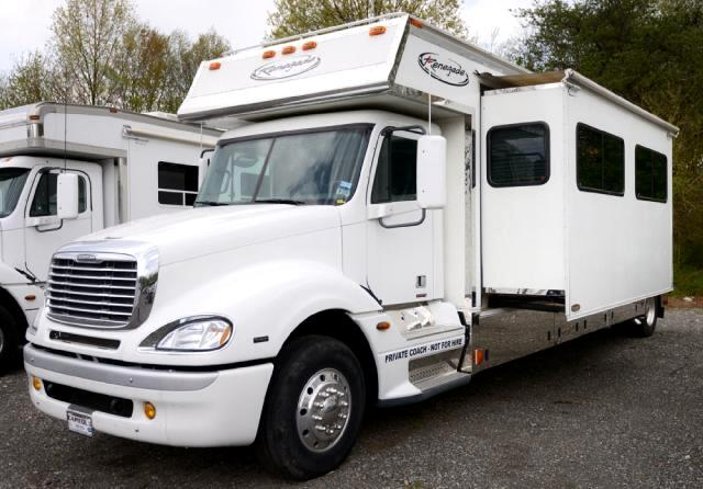 2005 Freightliner Columbia 17ft Conversion