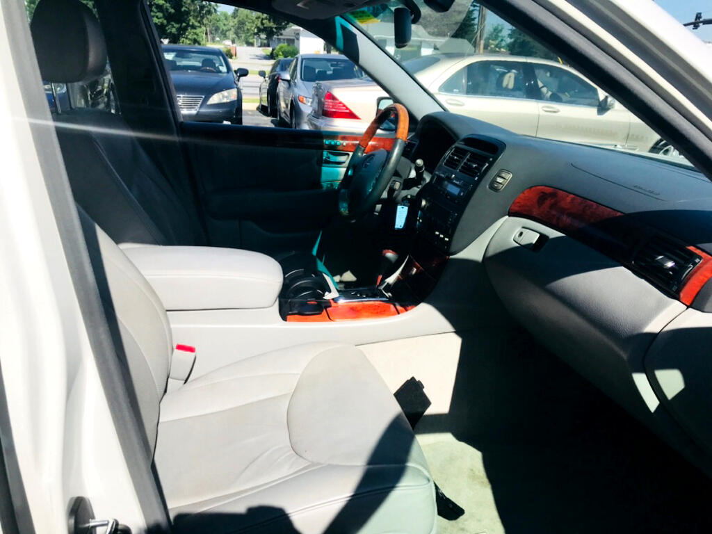 2004 Lexus LS 430 Sedan