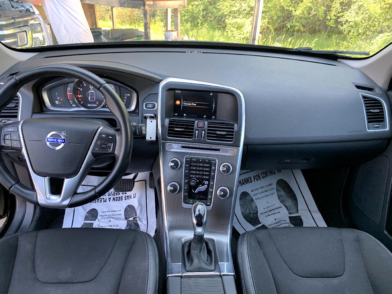 2016 Volvo XC60 T6 Drive-E FWD
