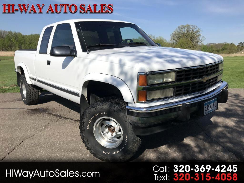 1990 Chevrolet 1500 Pickups Ext Cab 141.5