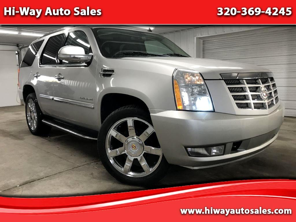 Cadillac Escalade AWD 4dr Luxury 2010