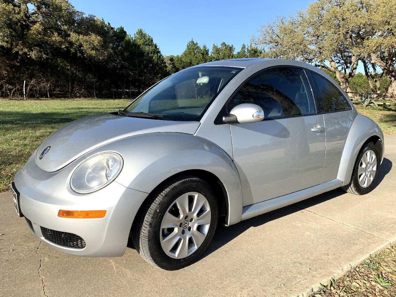 2008 Volkswagen New Beetle Coupe 2dr Auto SE